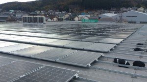 重ね式折板屋根設置・金具式固定・工場①